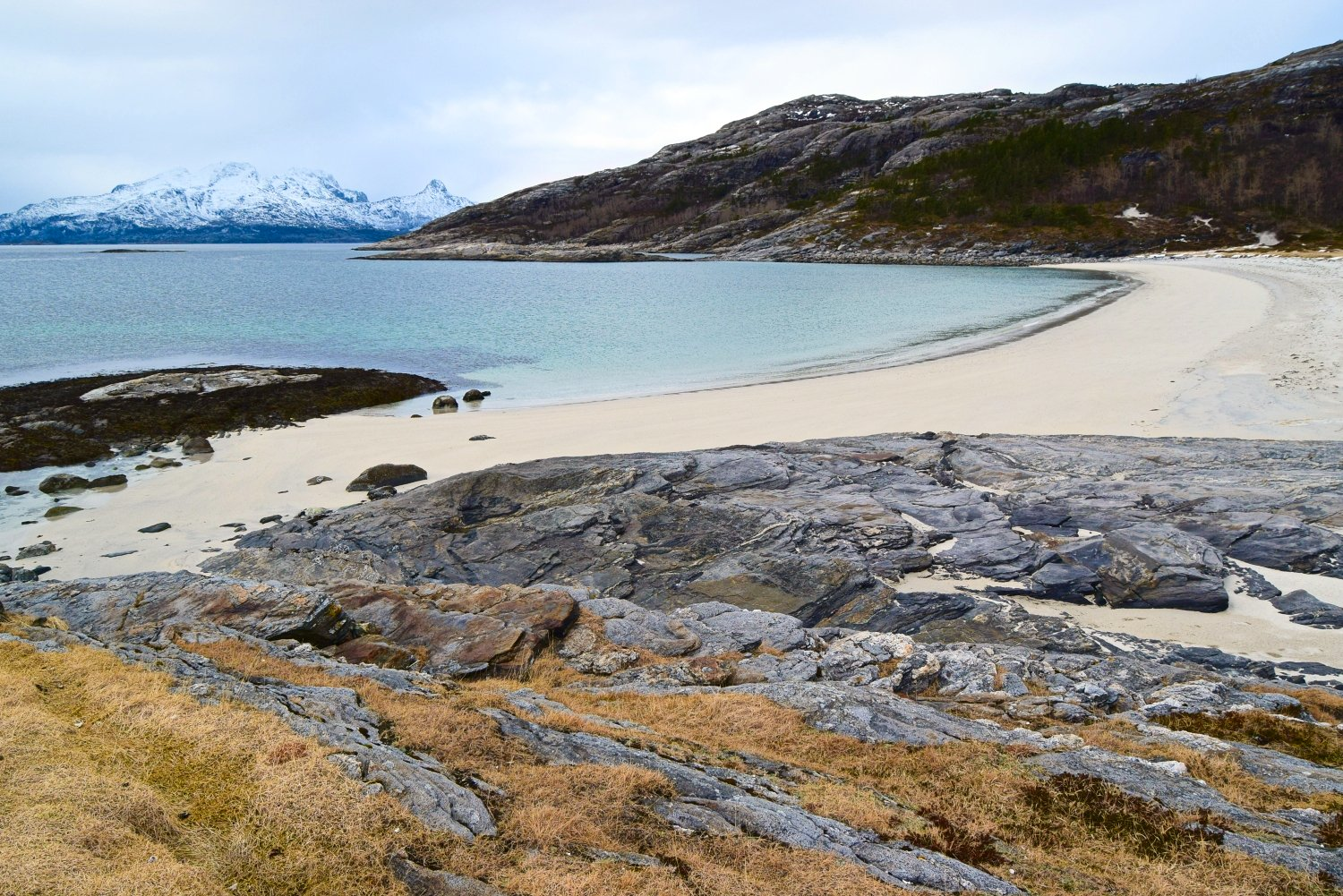 Auvika beach in Bodø during winter