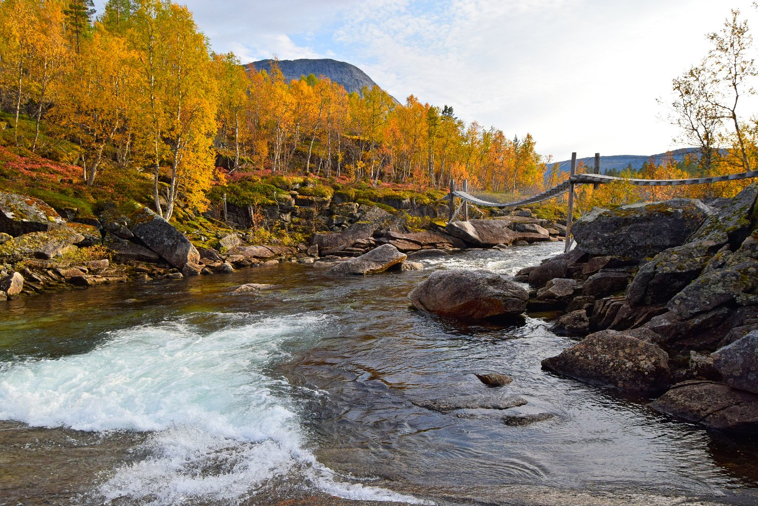 Gjerdalen river in Norway during autumn