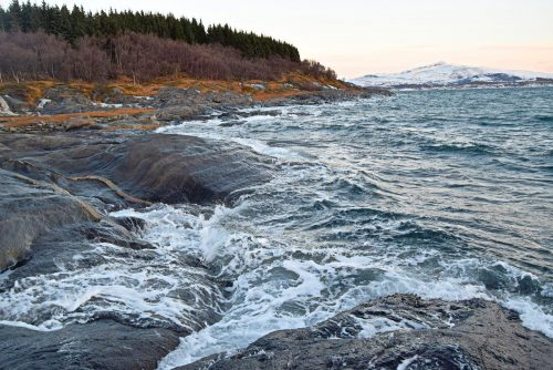 Seashore hike to Hovden in Bodø during the winter