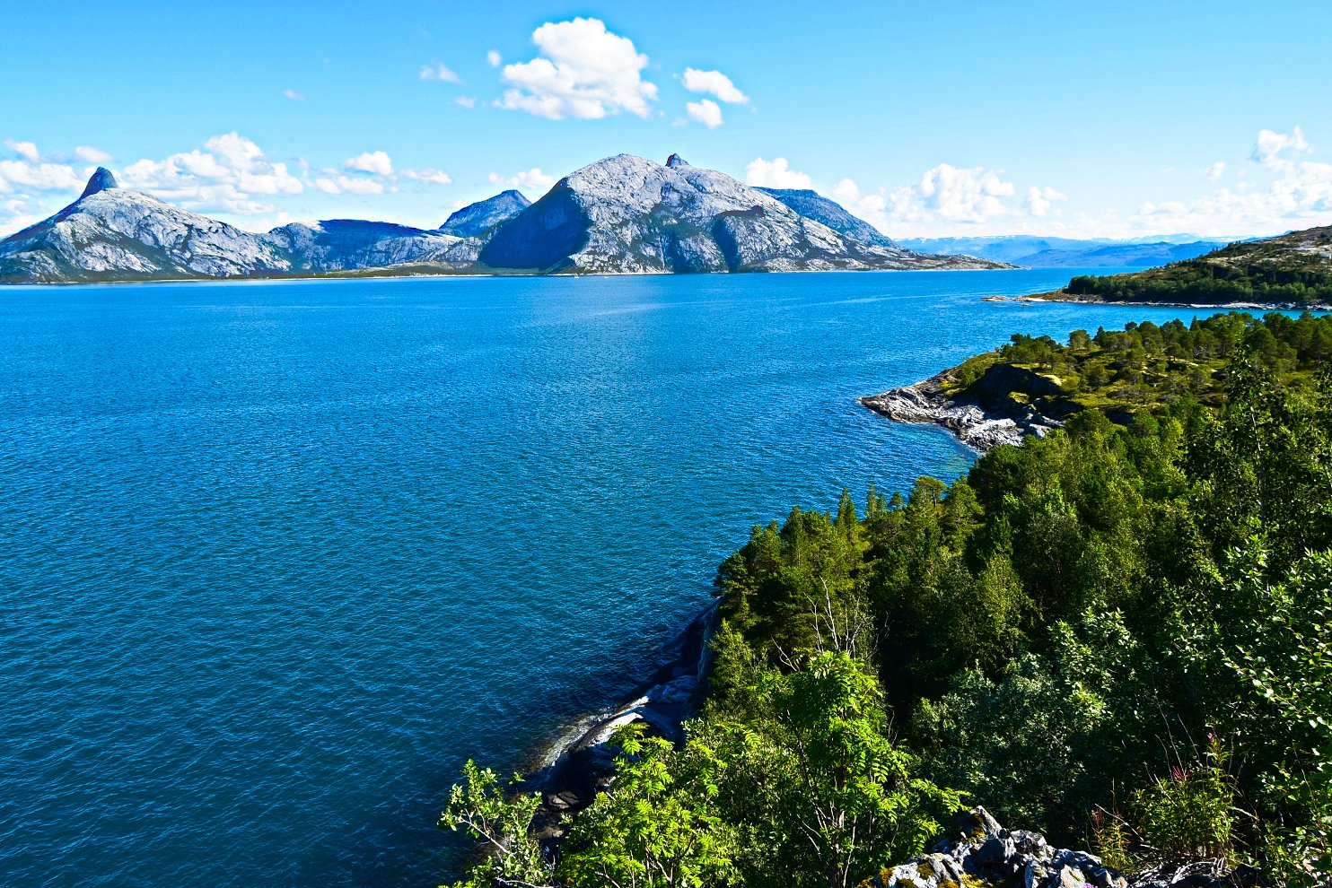 View from Kjerringøy to Folda
